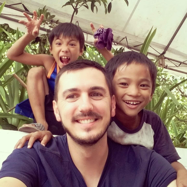 Maxime Gianni, professeur de la formation de professeur de yoga 200h de Karma Yoga en Belgique